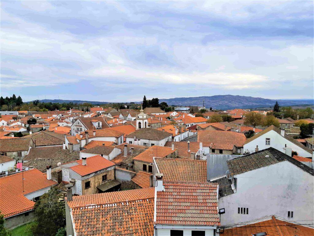 オレンジの屋根が並ぶトランコーゾ市街地