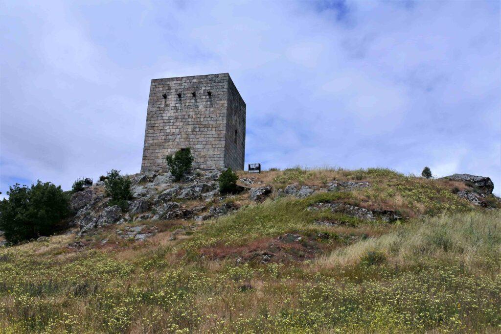 グアルダ城跡の塔