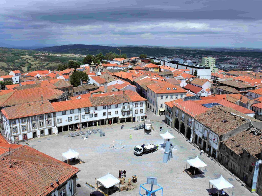 塔からのカテドラル前の広場の眺め