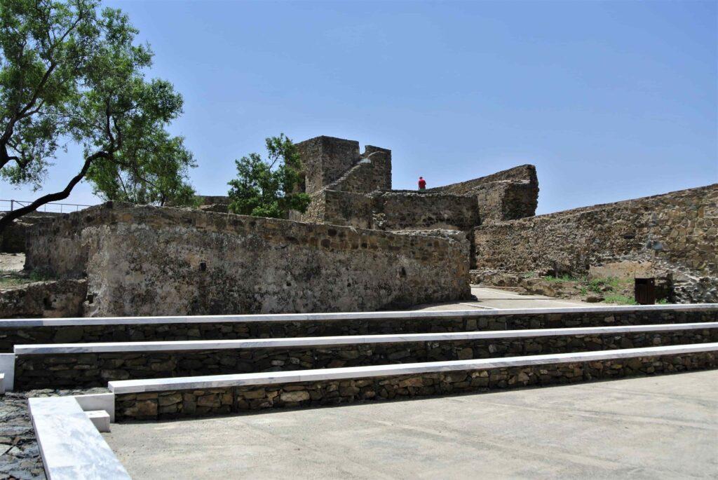 階段のあるメルトラ城内部
