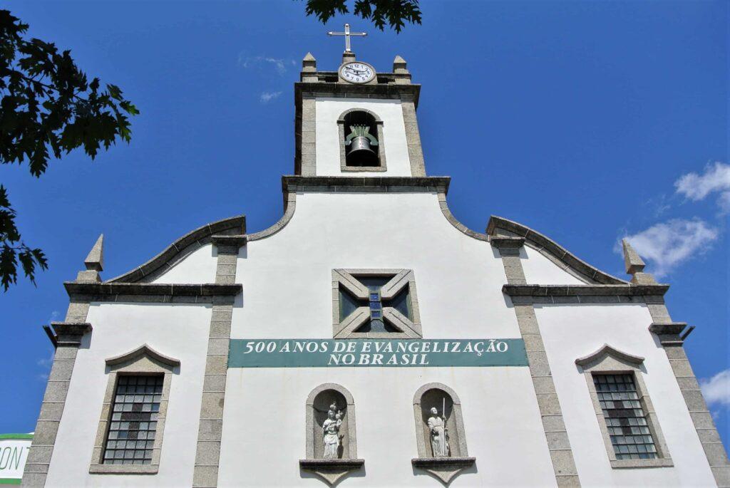 マトリース・デ・ベルモンテ教会外観 中心に鐘楼がある建物