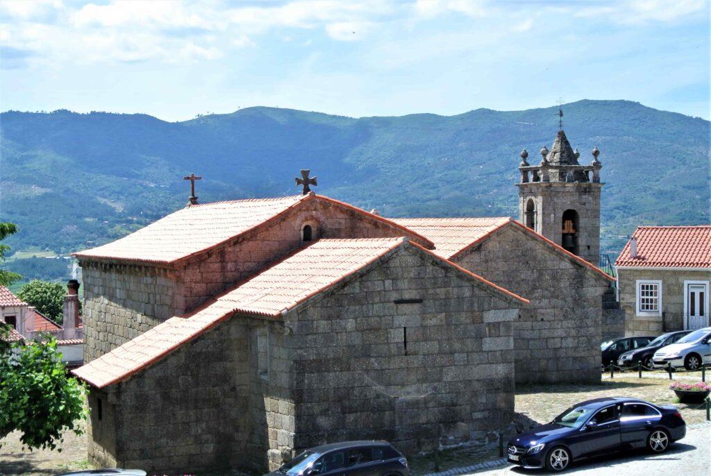 サンティアゴ教会外観 反対側からの眺望