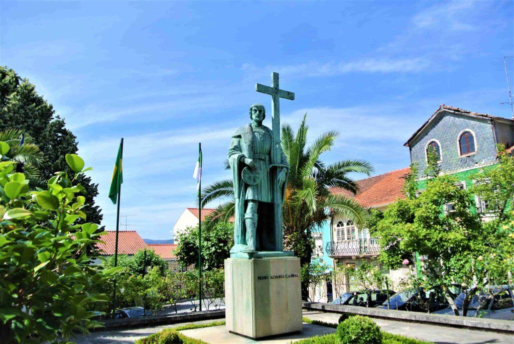 ペドロ・アルヴァレス・カブラルの銅像