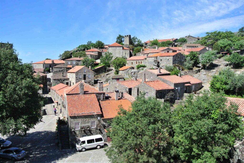 城壁内のソルテーリャの街全景