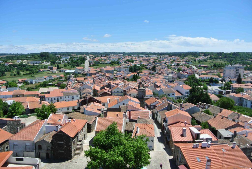 オレンジの屋根が並ぶサブガルの街