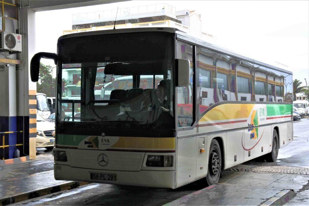 EVA社のバス