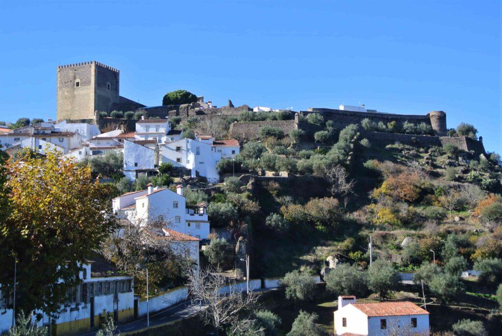 丘の上に建つカステロ・デ・ヴィデ城